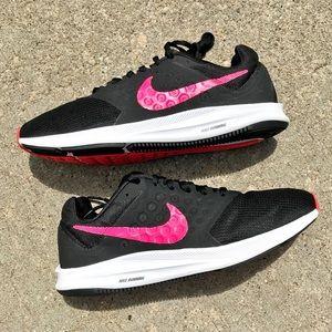 Nike Women's Downshifter 7 Sneakers Sz 8.5